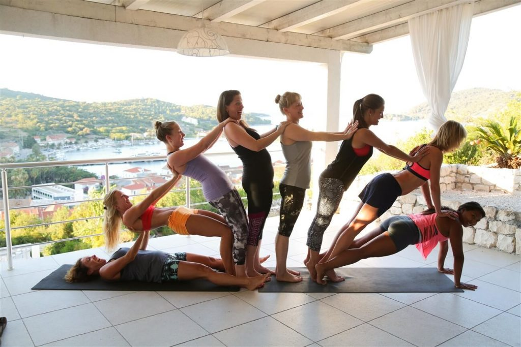 how to choose yoga retreat summersalt yoga